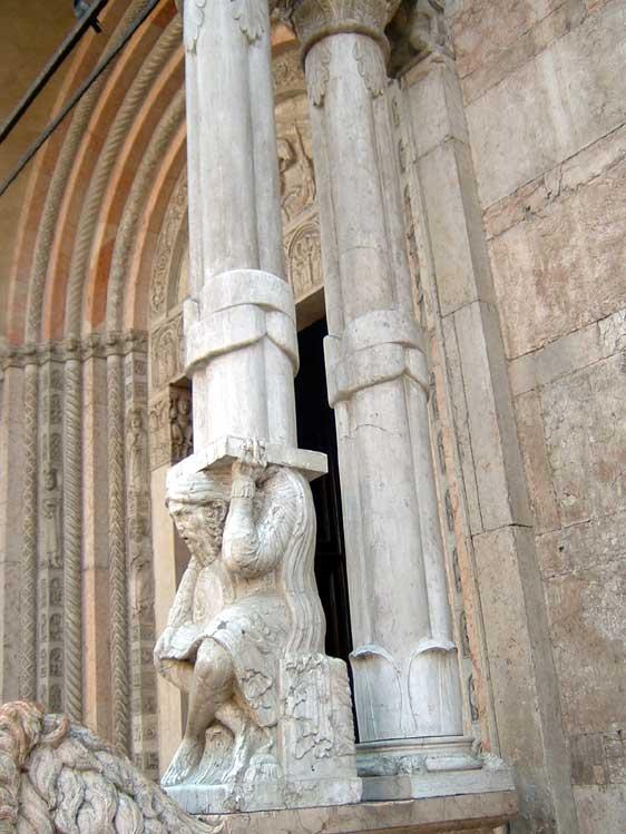 Le colonne ofitiche del duomo fe for Aggiornare le colonne del portico