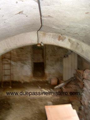 Abbazia di san galgano si for Antica finestra a tre aperture