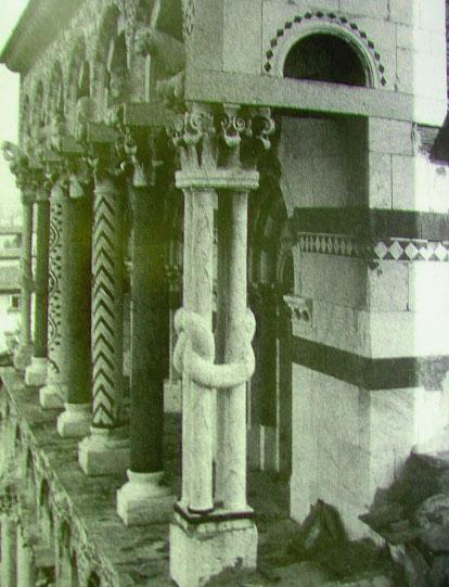 Lucca il labirinto e for Aggiornare le colonne del portico