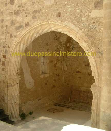 Mobili lavelli archi in pietra per interni - Archi interni rivestiti in pietra ...